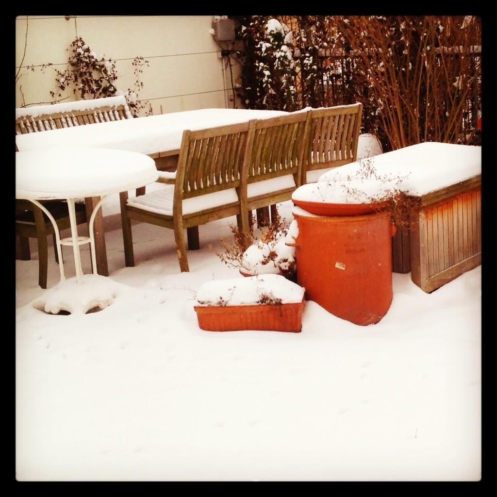 Die Schneeterasse. Schön, wenn es Dezember wäre. Ist aber März. Isch möschte das NISCHT!