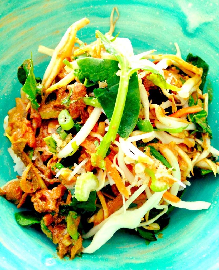 Mein Lunch: das Hühnercurry von Sian mit allem Drum und Dran