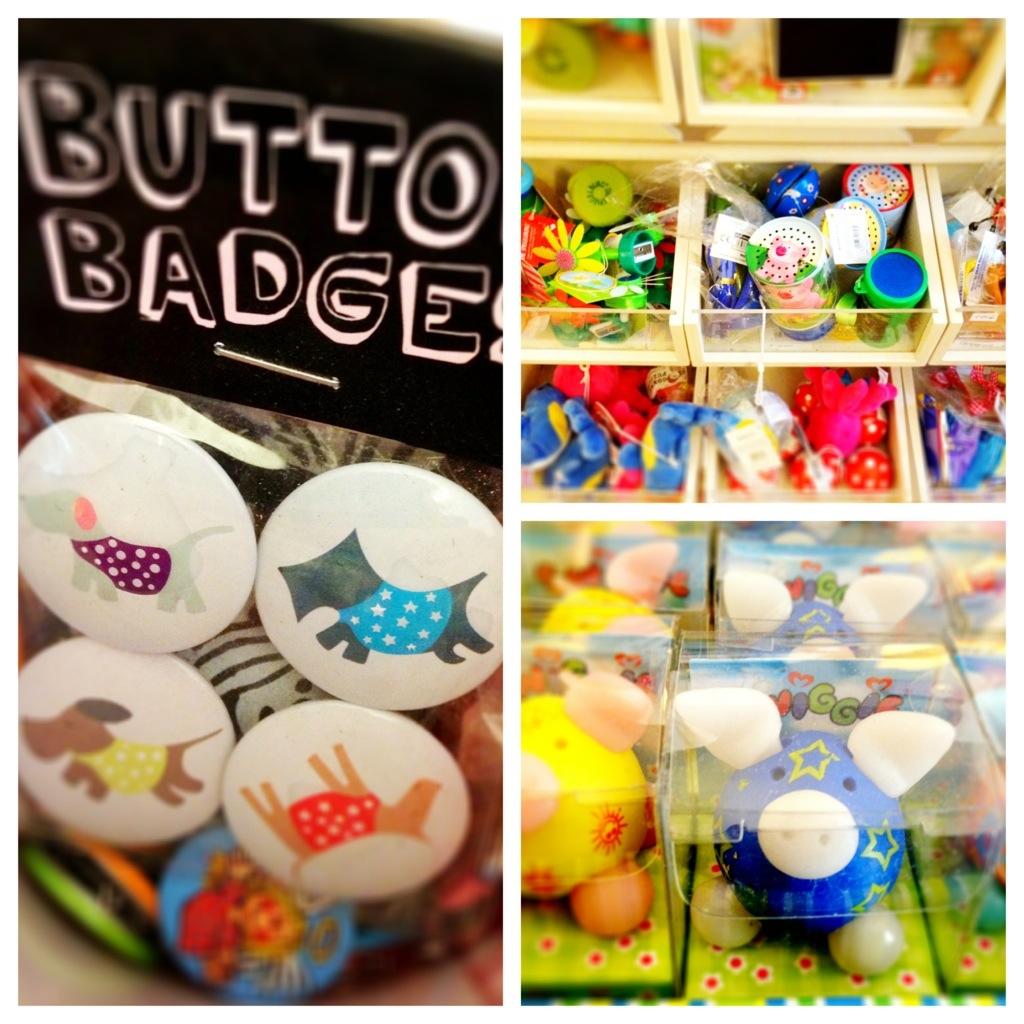 Spielzeug, Minisachen, Kleinigkeiten, Buttons mit Tieren, Radiergummis
