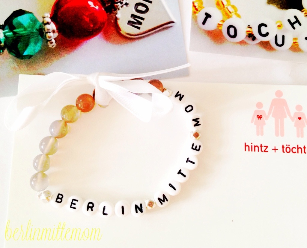 frau-hintz-und-toechter-give-away-berlinmittemom-armband.jpg