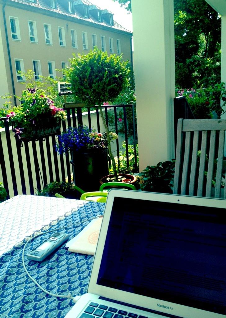 12v12_working-outdoor.jpg
