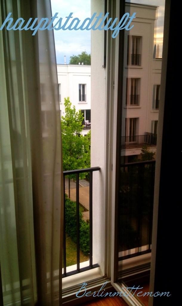 Offenes Fenster, Hauptstadtluft