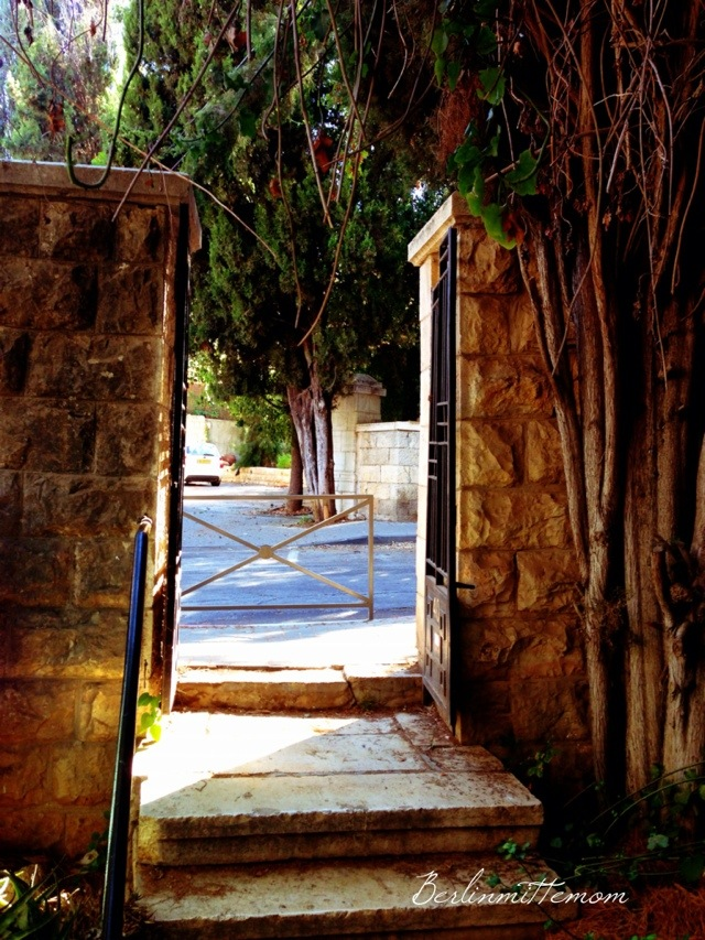 jerusale-home.jpg