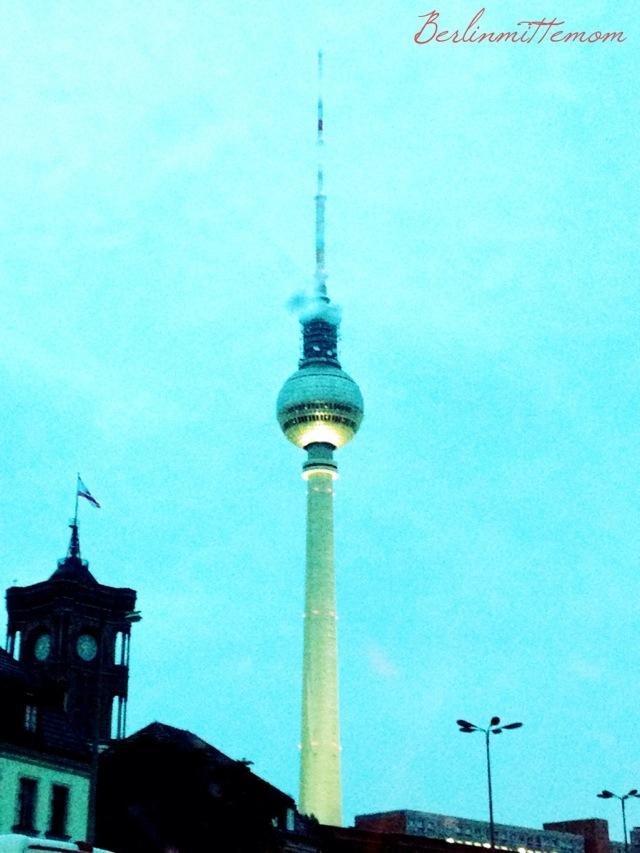 Berliner Fernsehturm im Regen - 12 von 12 im August
