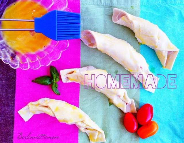 Blätterteighörnchen in the making, Bloggeraktion Pausenbrot, gesundes für die Brotdose, Kindertafel