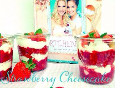Strawberry Cheesecake im Glas, Muttertag, Dessert, Rezept, Törtchenzeit