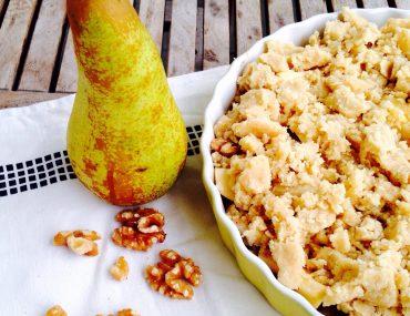 Apfel Birnen Crumble mit karamellisierten Walnüssen, Backen, Dessert,