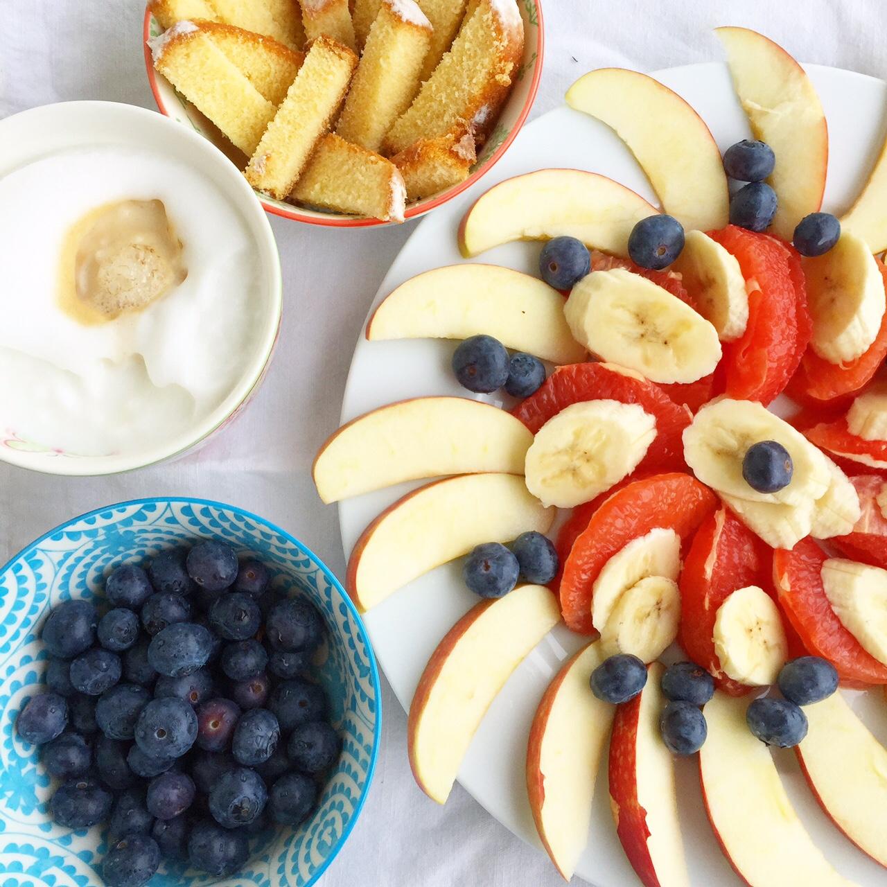 Frühstück, 12 von 12, 12v12, April, Draußen nur Kännchen, healthy choices, Obstfrühstück