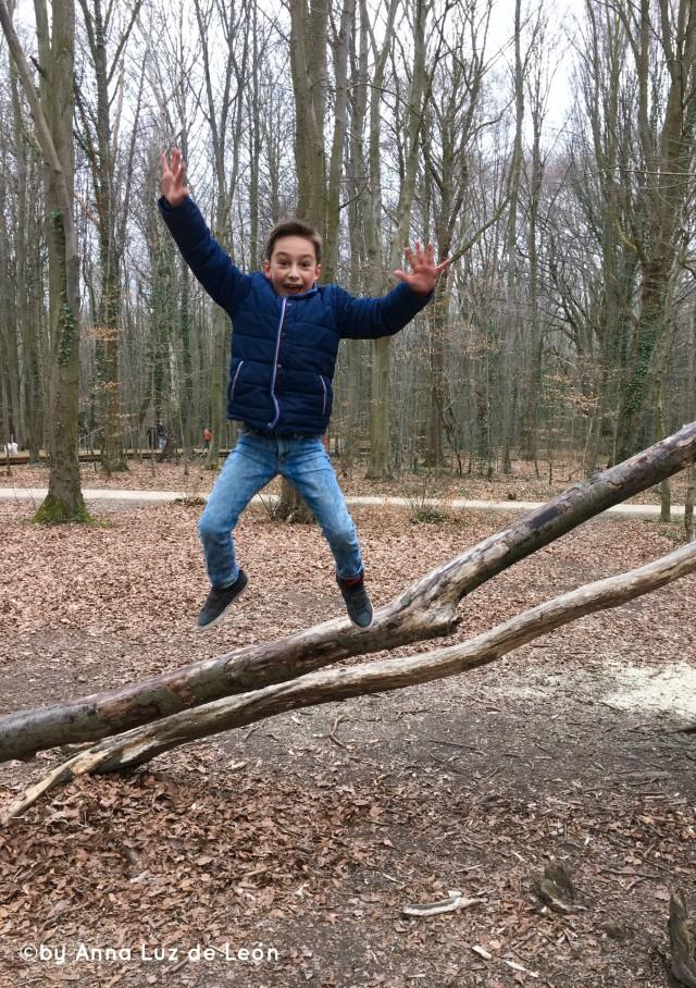 wib_berlinmittekids_jump