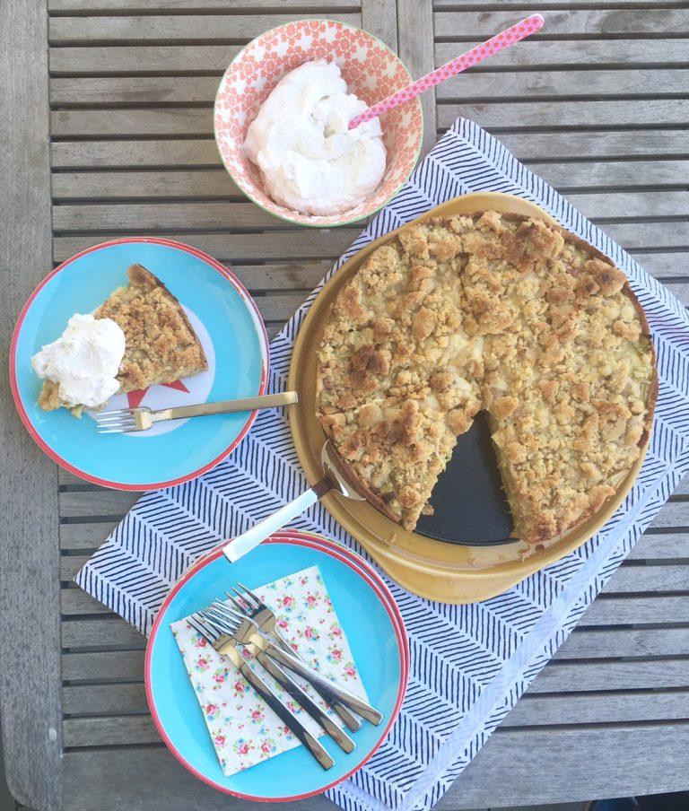 Rhabarkuchen mit Streuseln, Rezept, Backen, Kuchen, Streuselkuchen, Rhabarberrezept, Familienküche