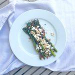 saisonliebling in der pfanne ::: grüner spargel mit speck & ziegenfrischkäse