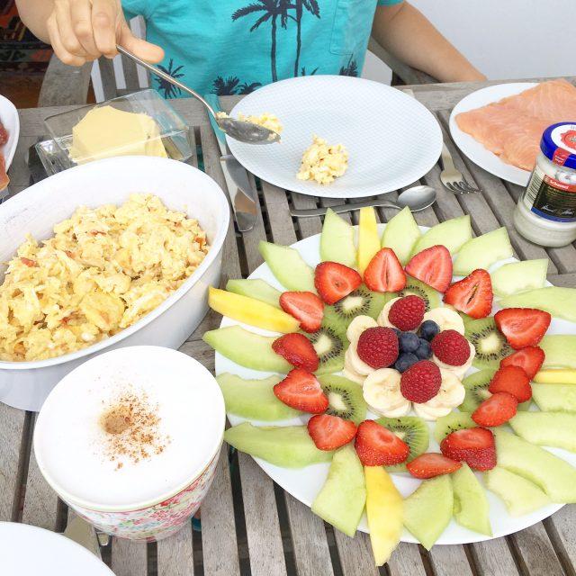 Wochenende in Bildern, Frühstück, Leben mit Kindern, Obstmandala, gesunde Ernährung, Elternblog