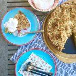 der berlinmittedad backt ::: rhabarberkuchen mit streuseln