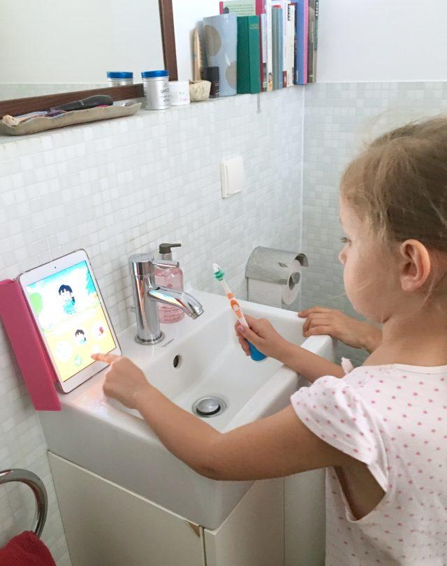 Playbrush, Tchibo, Zähneputzen mit Kindern, Mundhygiene, Milchgebiss, Produkttest, Zahnhygiene, Leben mit Kindern, Alltag mit Kindern, Mamablog