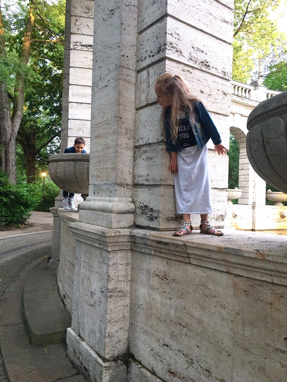 Wochenende in Bildern, Minions, Kinder, Märchenbrunnen, Leben mit Kindern, Volkspark Friedrichshain, Spaziergang, Leben mit Kindern