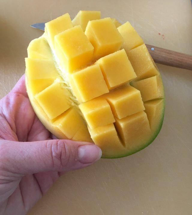 Mango Beeren Smoothie, Rezept, rote Smoothies, gesund, Smoothies für Kinder, frisches Obst, gesunde Ernährung