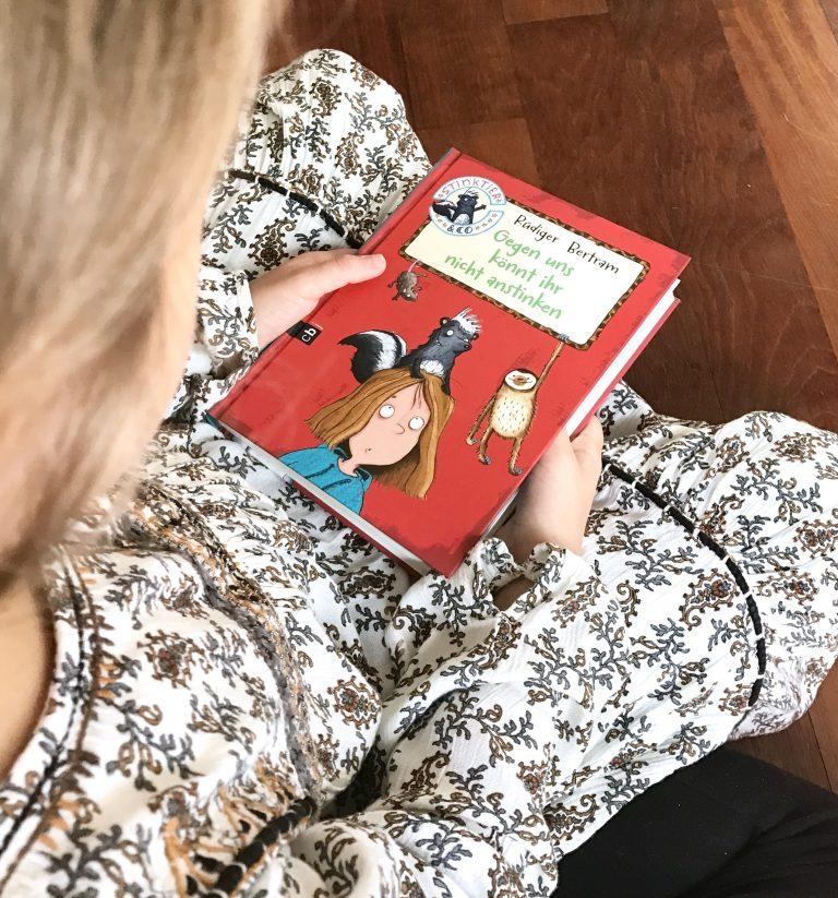 Buchtipp, Leseempfehlung, Stinktier & Co, Serie, Reihenauftakt, Randomhouse, CBJ, Verlag, Kinderbücher, Leseratten, Buchtipps, Booklove, Buchblogger