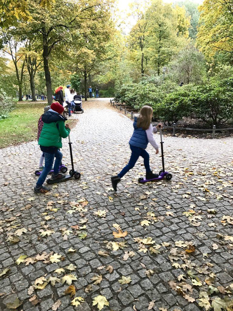 Wochenende in Bildern, wib. Familienalltag, Herbst, Spaziergang, Leben im Park, Volkspark Friedrichshain