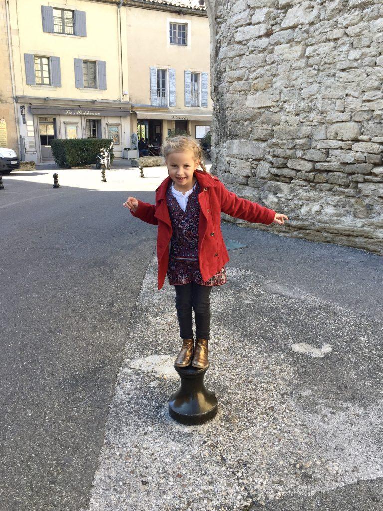 Provence mit Kindern, Reisen mit Kindern, Familienreisen, Provence, Frankreich, Gordes, Lacoste, Abbeye de Sénanque, Lubéron, Familienreisen
