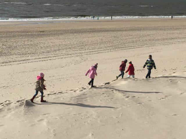 Kinder am Strand auf Sylt