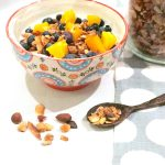gesundes frühstück für mama ::: rezept für knuspriges low carb granola mit zimt