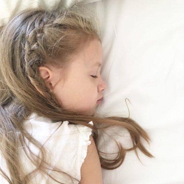 Kranke Kinder brauchen viel Schlaf | ©by Berlinmmittemom