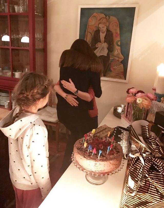 Geschwisterliebe am Geburtstag