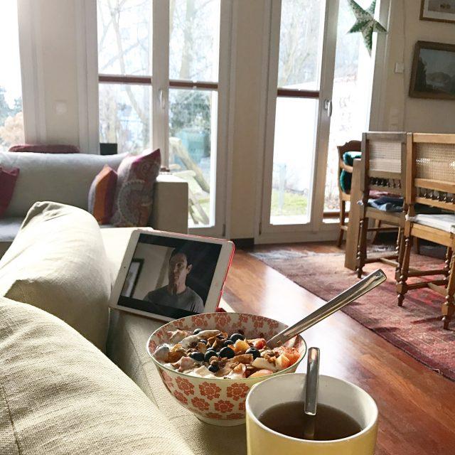 Krank zu Hause mit Netflix