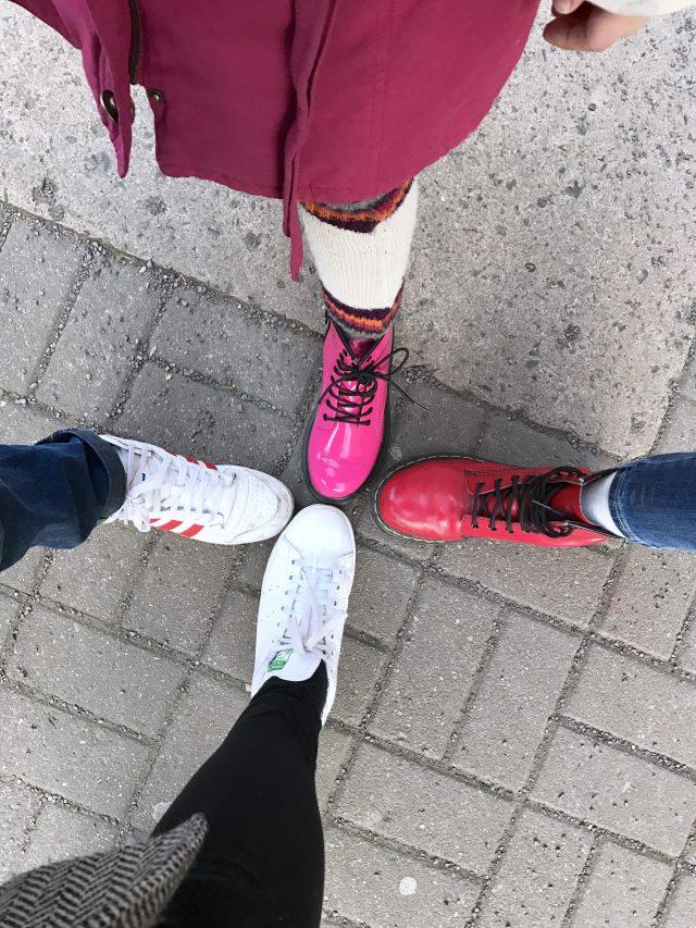 Shoefie für die Freitagslieblinge: Adidas meets Dr. Martens | Berlinmittemom.com
