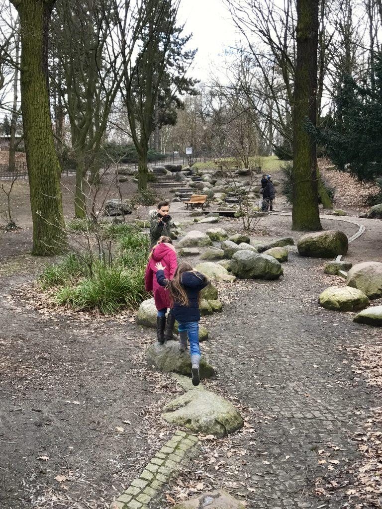 Frühlingsspaziergang im Volkspark Friedrichshain | Berlinmittemom.com