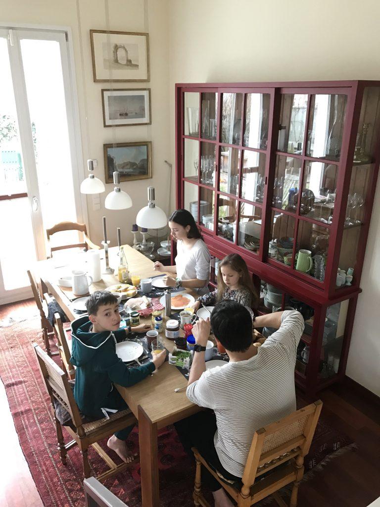 Sonntagsfrühstück mit der Familie | Berlinmittemom.com