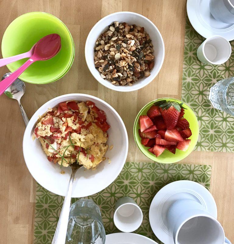 Frühstück mit der Besten: selbstgemachtes Granola & Rührei