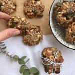 gesunder power-snack ::: rezept für vegane müsli-cracker