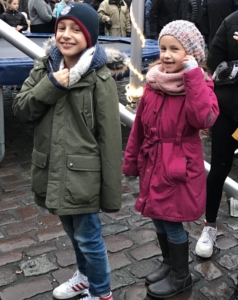 Berlinmittekids auf dem Lucia Weihnachtsmarkt | Berlinmittemom.com