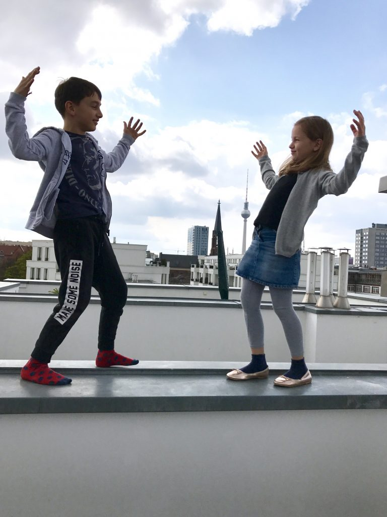 Geschwisterliebe, Geschwisterquatsch | Berlinmittemom.com