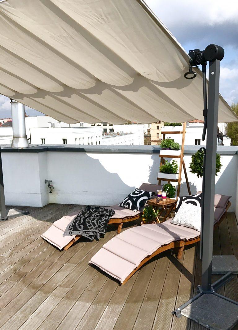 Sonnensegel auf der Dachterrasse | Berlinmittemom.com