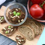 Crostini mit Tapenade ::: Rezept für schwarze Olivenpaste
