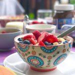 Gesundes Frühstück mit Nüssen und Beeren | Berlinmittemom.com