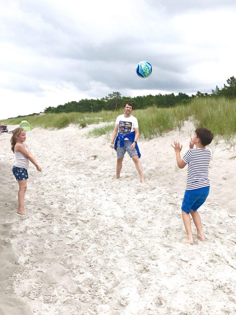 Beach Volleyball | berlinmittemom.com