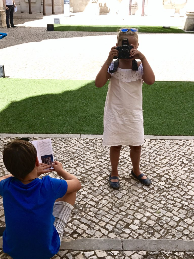 Little tourists in Lisboa | berlinmittemom.com