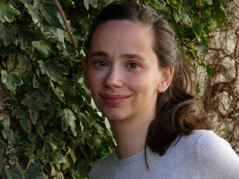 Corinne Luca, Buchautorin und Bloggerin