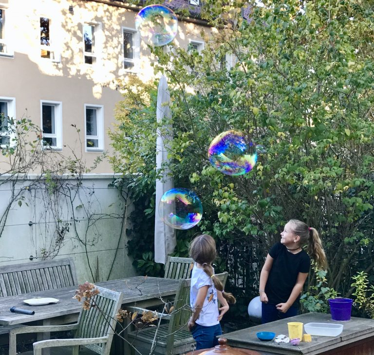 Riesenseifenblasen | berlinmittemom.com