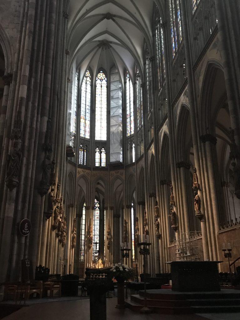 Im Kölner Dom | berlinmittemom.com