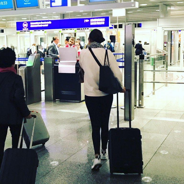 Abschied am Flughafen | berlinmittemom.com