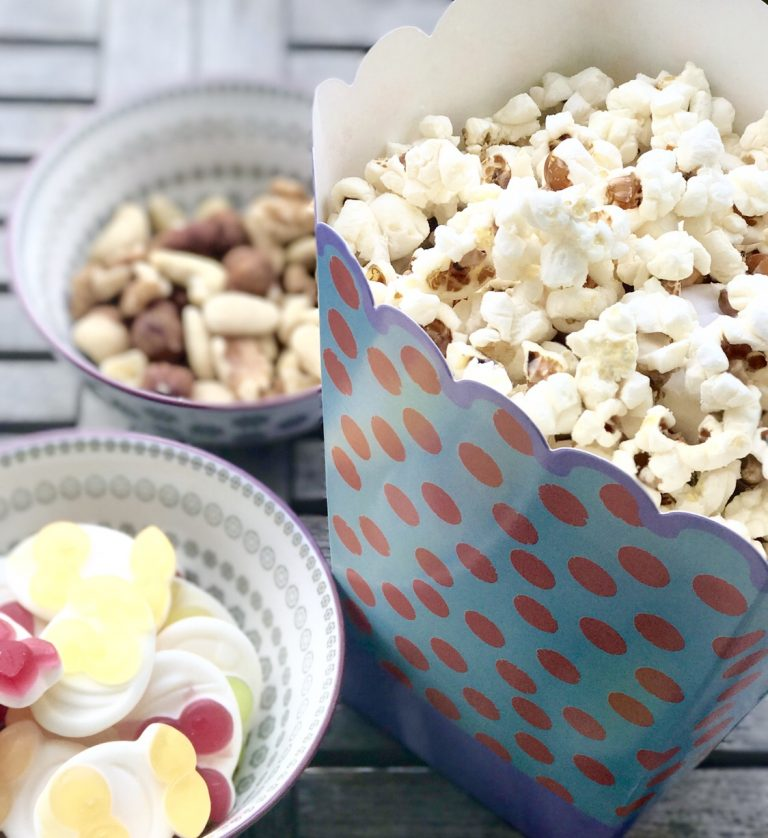 Unsere liebsten Weihnachtsfilme für Kinder & ein Popcornrezept ...