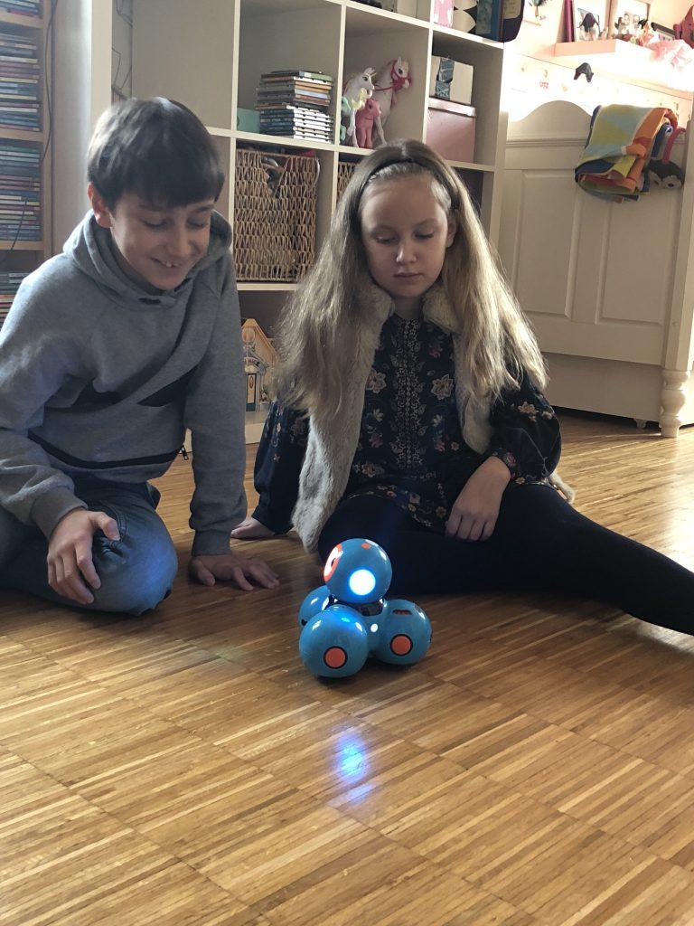 Weihnachtsgeschenk für Jungs und Mädchen | Coden lernen mit Roboter Dash