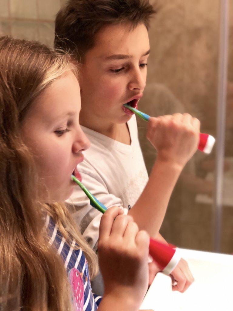 Zähneputzen mit Kindern | berlinmittemom.com