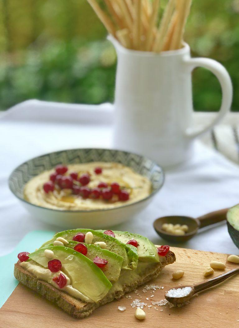 Obela Hummus mit Avocado | berlinmittemom.com