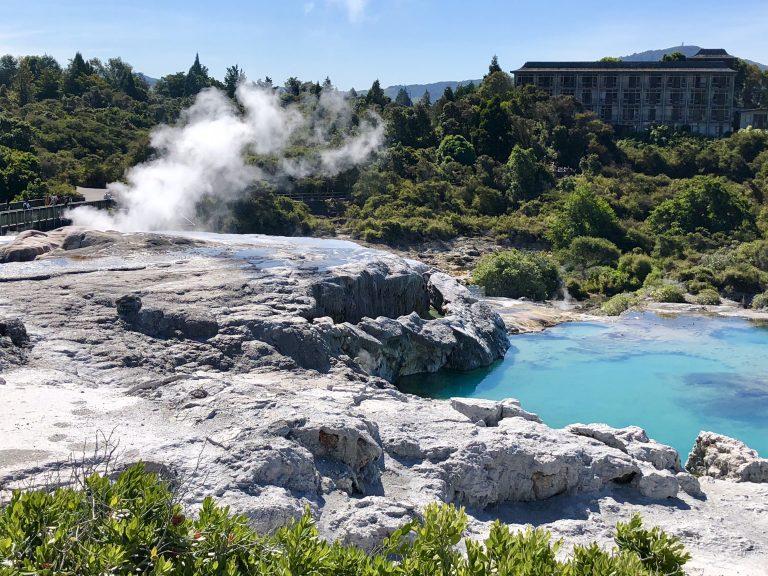 Geysir in Te Puia, Rotorua | berlinmittemom.com