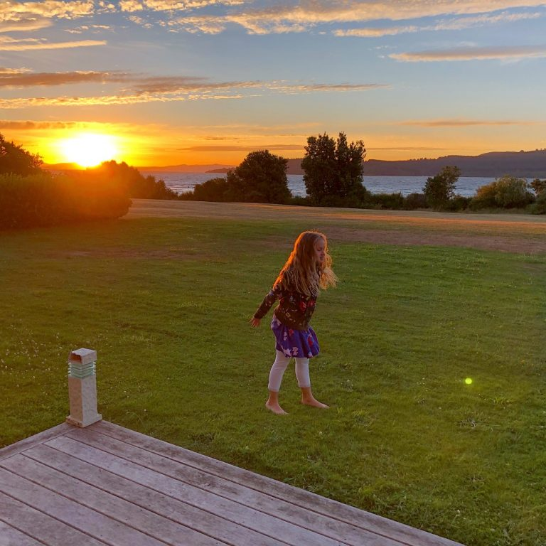 Sundown at Taupo | berlinmittemom.com